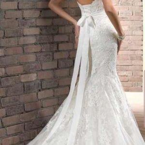 Beatiful wedding  Dress